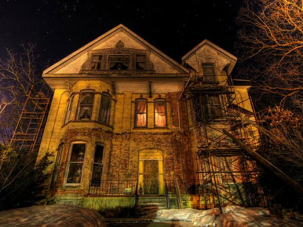rx-flickr_country-boy-shane-haunted-house_s4x3