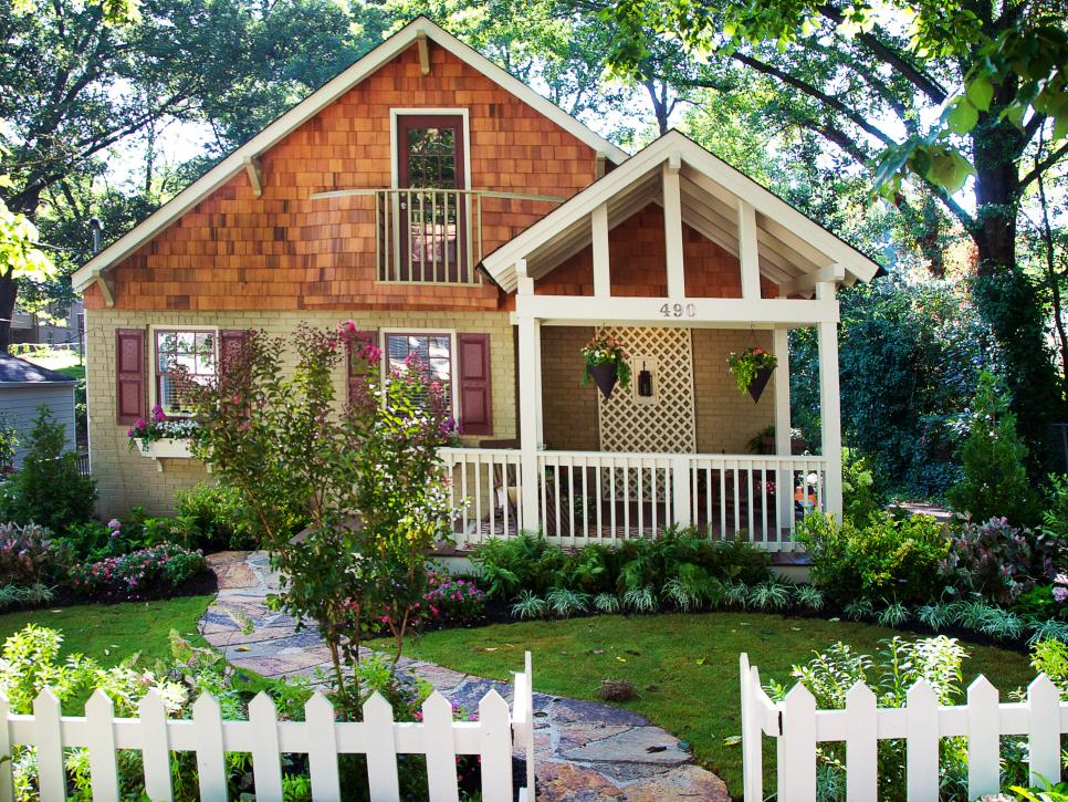 small spaces with very little front yard - Front Lawn Design Ideas