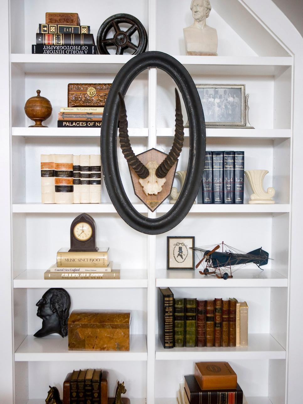 Bookshelf and wall shelf decorating ideas hgtv Shelves design ideas