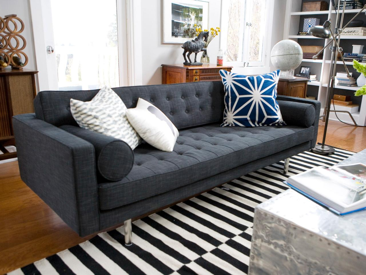 Photos hgtv for Modern living sofa