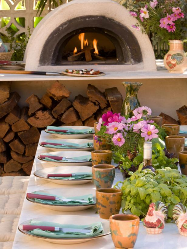 Outdoor Pizza Oven and Dining Area