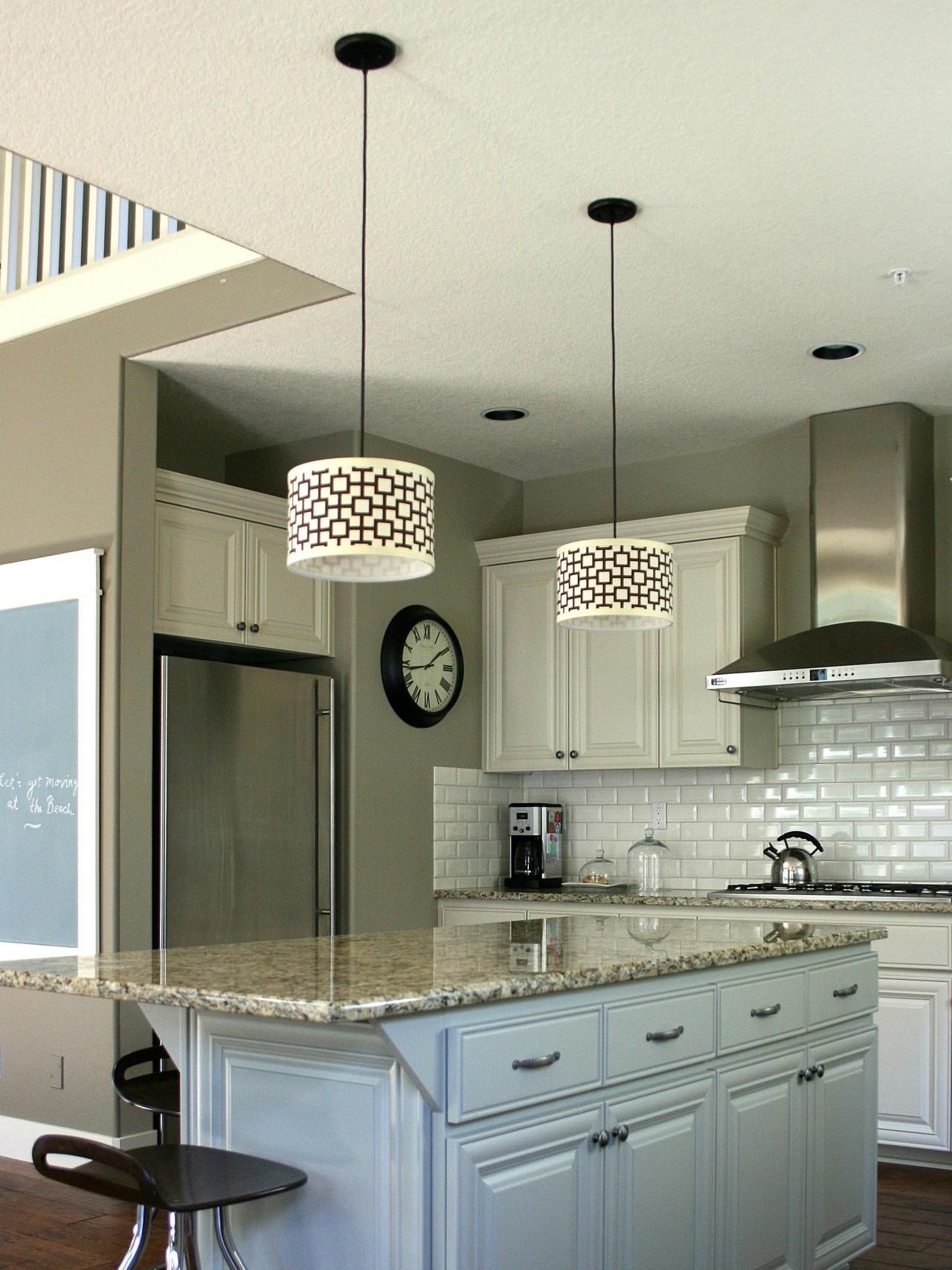 Customize kitchen lighting with fabric covered drum shades Modern kitchen pendant lighting ideas