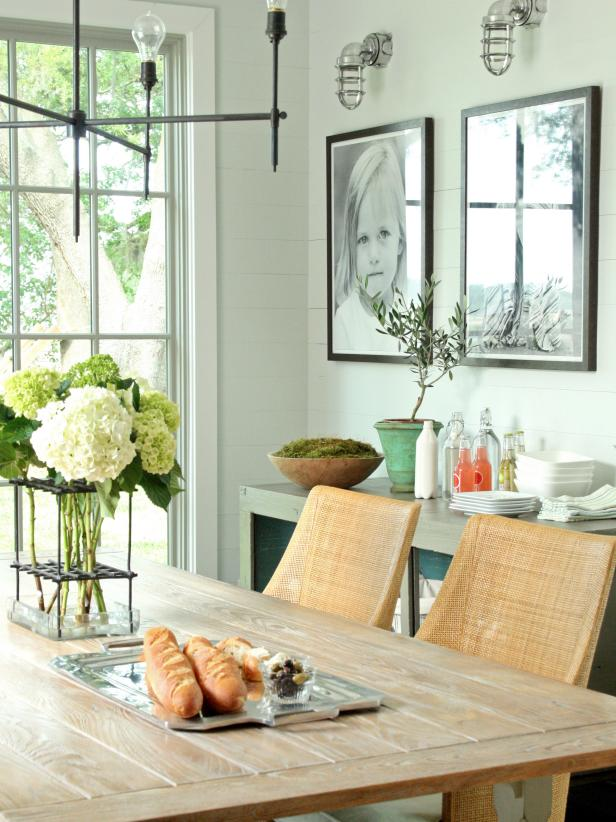 15 dining room decorating ideas hgtv for Small dining hall decoration