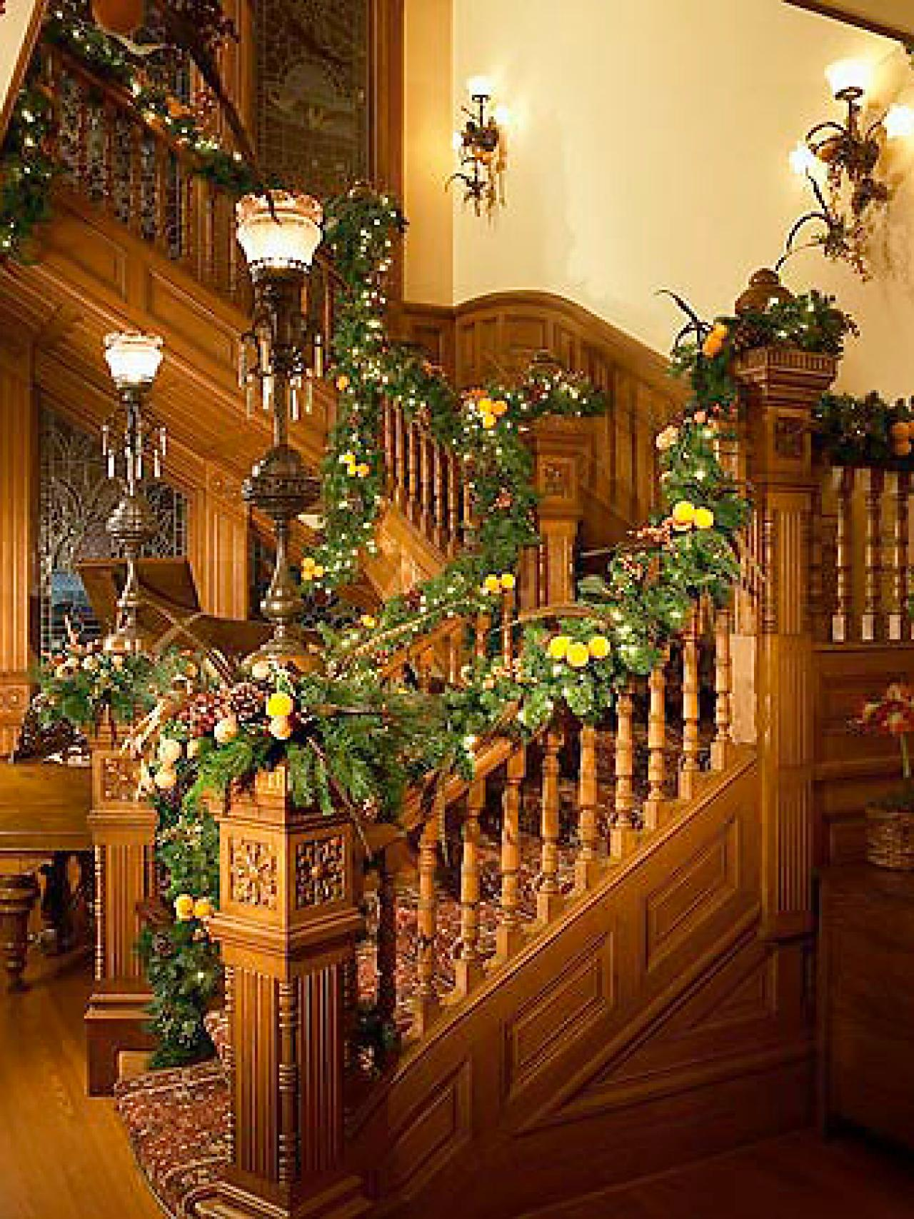 Indoor christmas decorations interior design styles and for Christmas decorations ideas to make at home