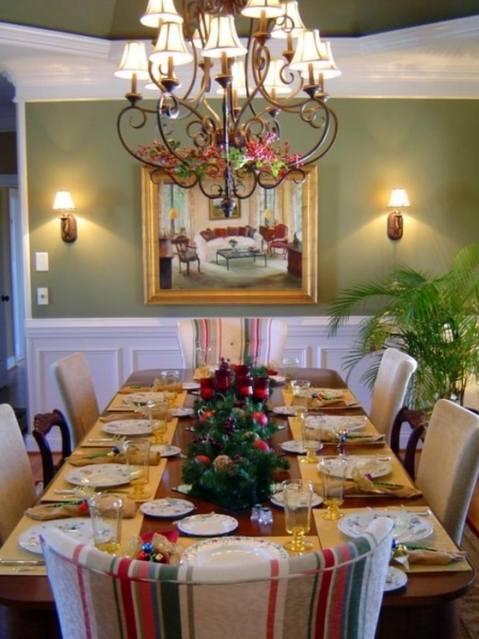 28 christmas table decorations settings hgtv - Dining table setting ideas ...