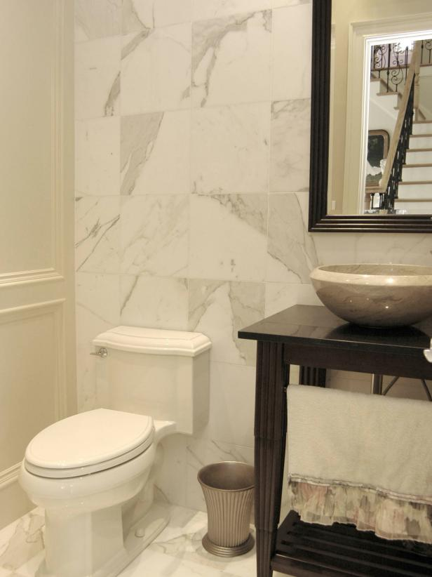 Sophisticated and Simple White Bathroom