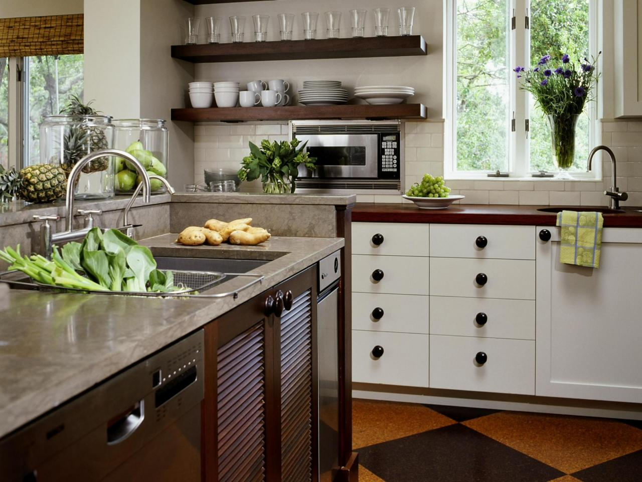 Neutral Country Style Kitchen This Neutral Country Inspired Kitchen