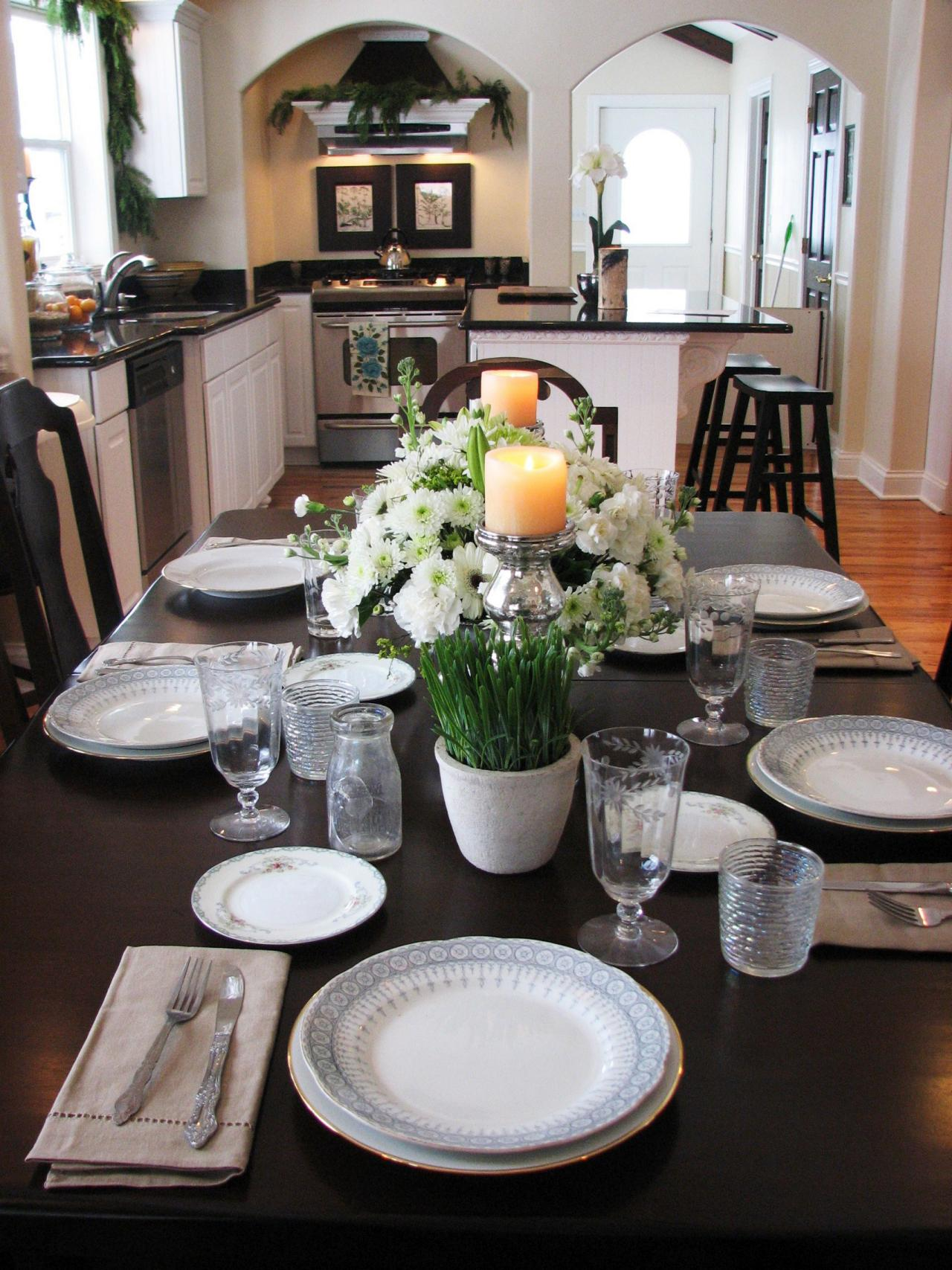 Restaurant table setting ideas - Kitchen Table Centerpiece Design Ideas