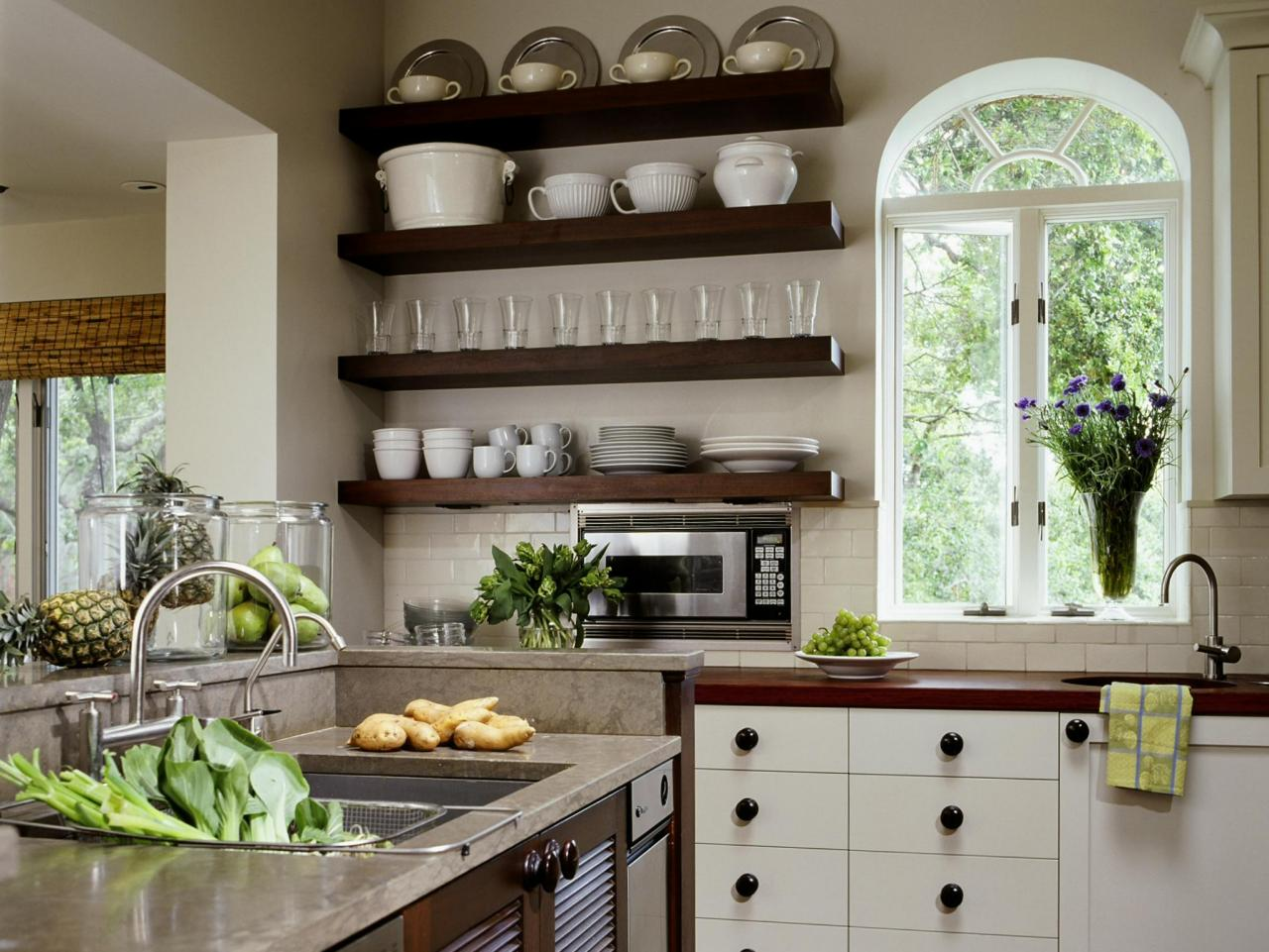 Photo page hgtv for Open kitchen style
