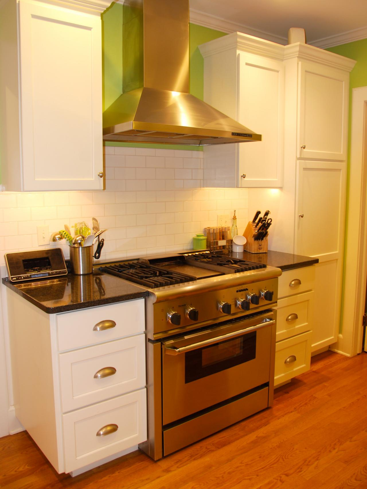 Small Kitchen Design Ideas paint colors for small kitchens: pictures & ideas from hgtv | hgtv