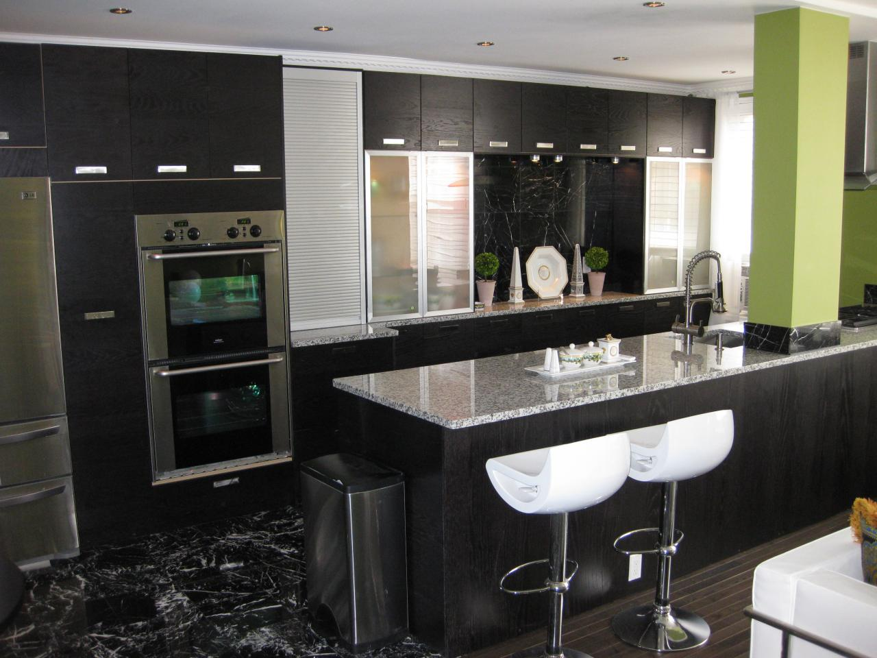 Small kitchen design ideas kitchen ideas design with - Black kitchen cabinets small kitchen ...
