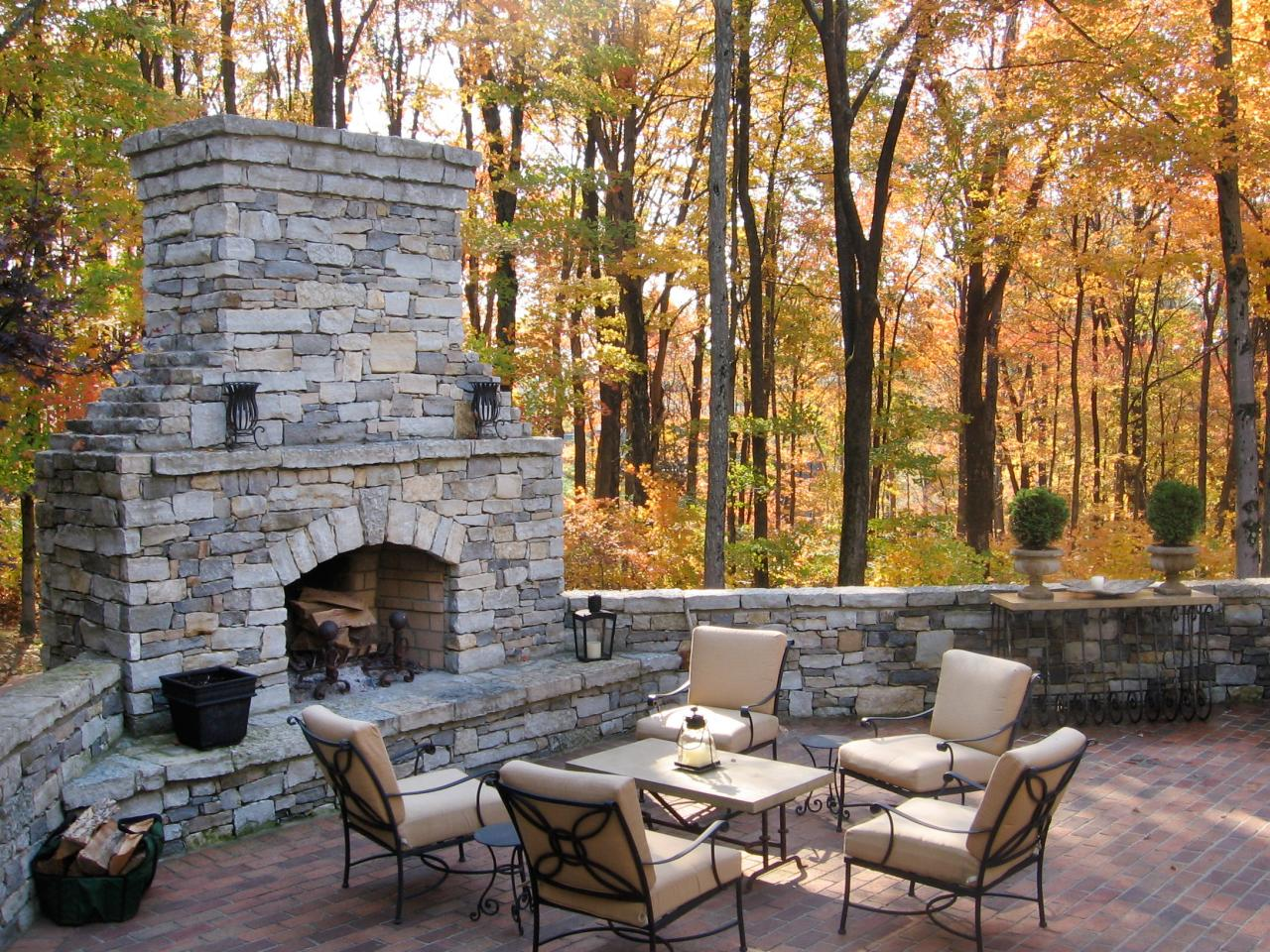Outdoor decorating ideas outdoor spaces patio ideas for Outdoor patio fireplace ideas