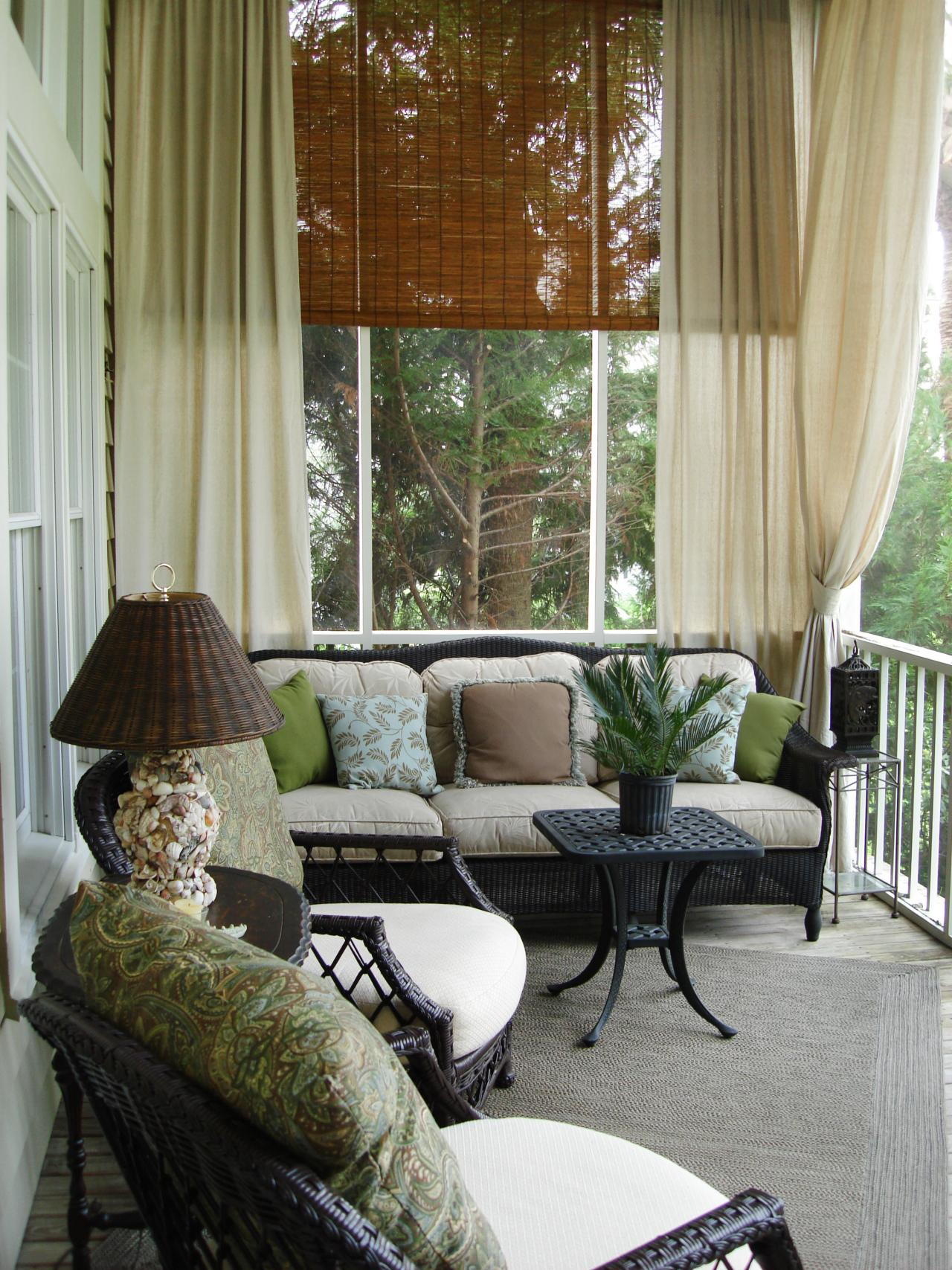 Outdoor decorating ideas outdoor spaces patio ideas for Outdoor front porch decor
