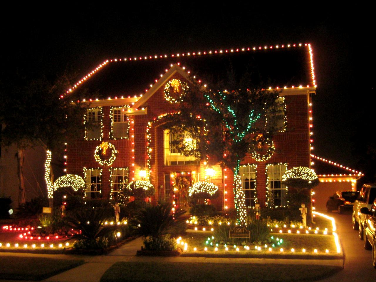 Stunning outdoor christmas displays interior design for Christmas lights and decorations