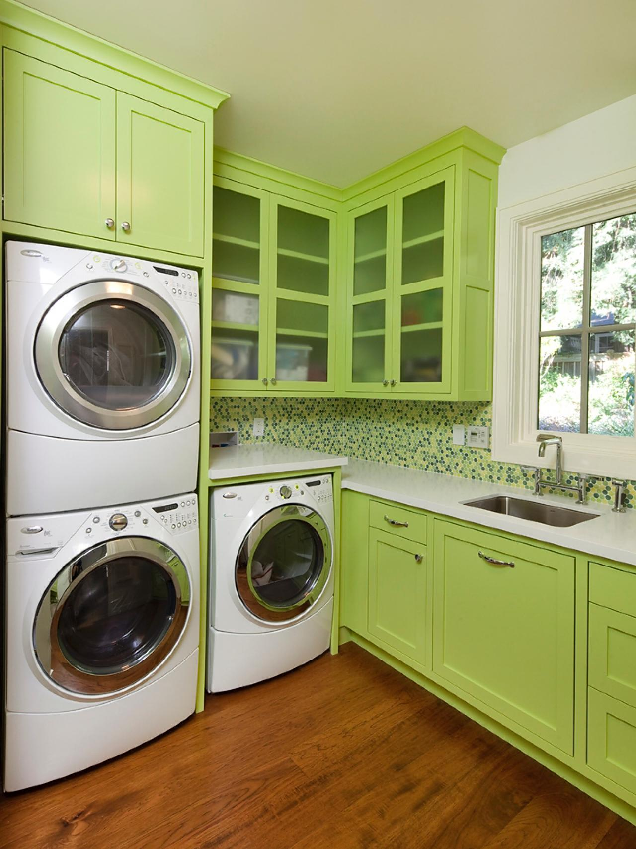 10 chic laundry room decorating ideas interior design - Laundry room design ideas ...