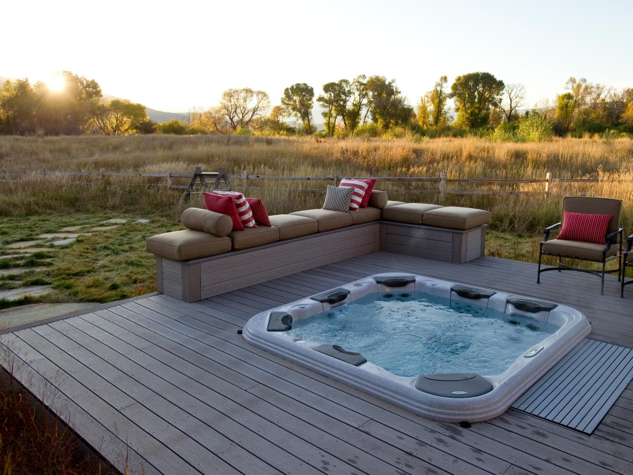Hot tub ideas for back porch joy studio design gallery - Jacuzzi pour jardin ...