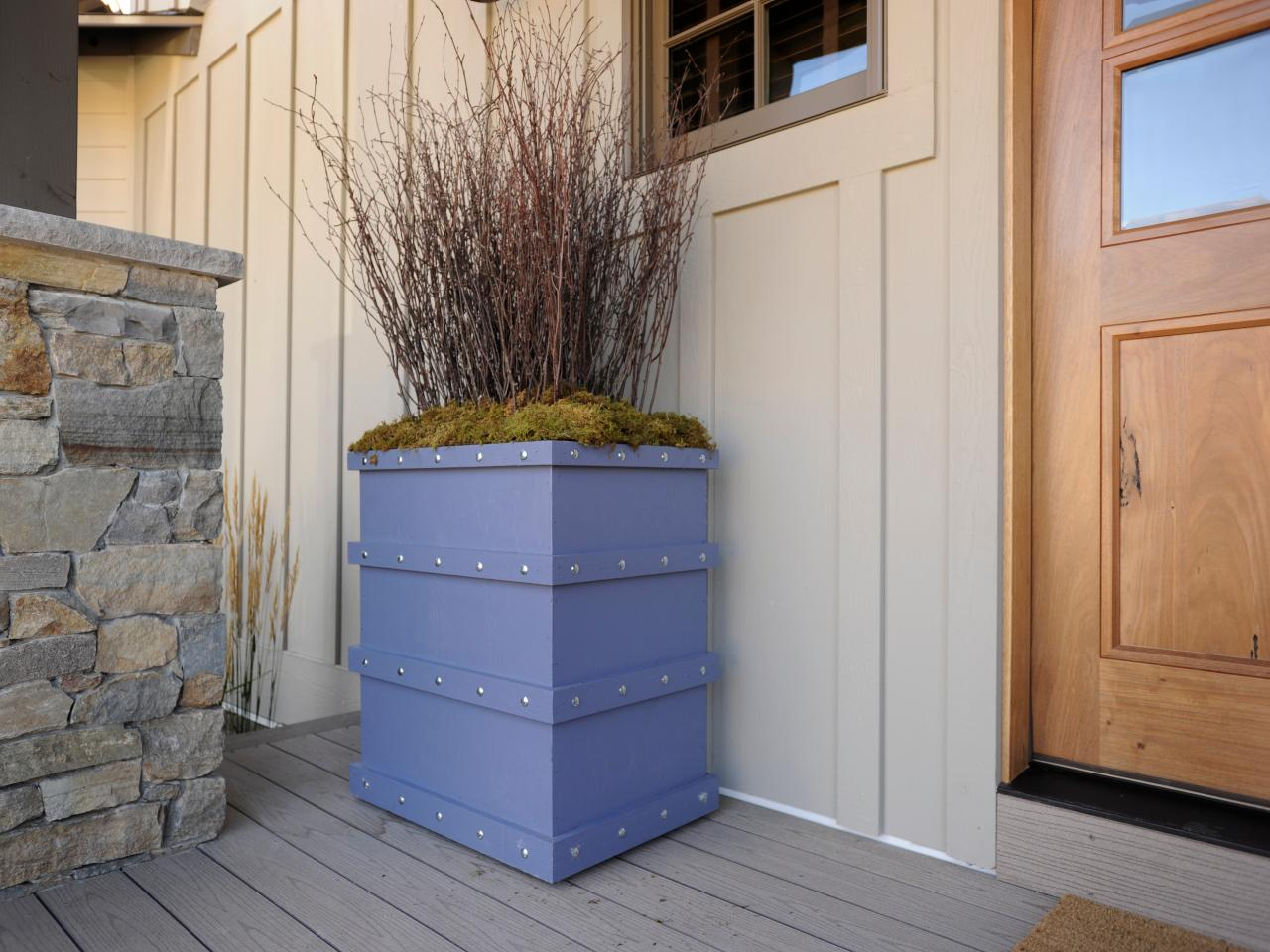 hgtv dream home 2012 make a planter box pictures and. Black Bedroom Furniture Sets. Home Design Ideas