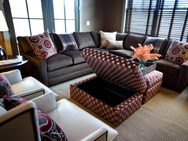 Cozy Family Room With Storage Ottomans