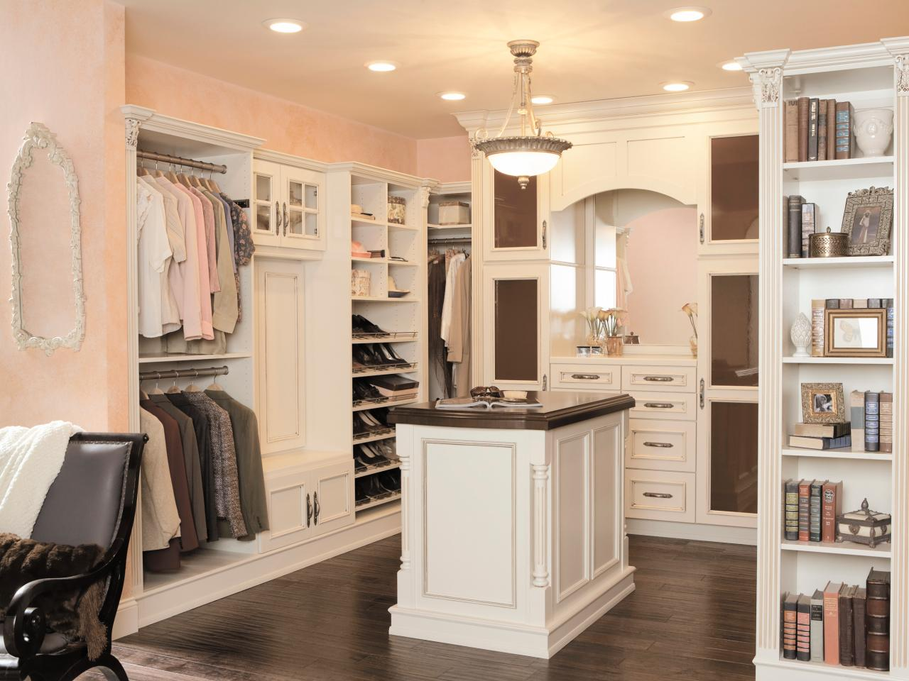 10 stylish walk in bedroom closets bedrooms bedroom for Bedroom closets designs