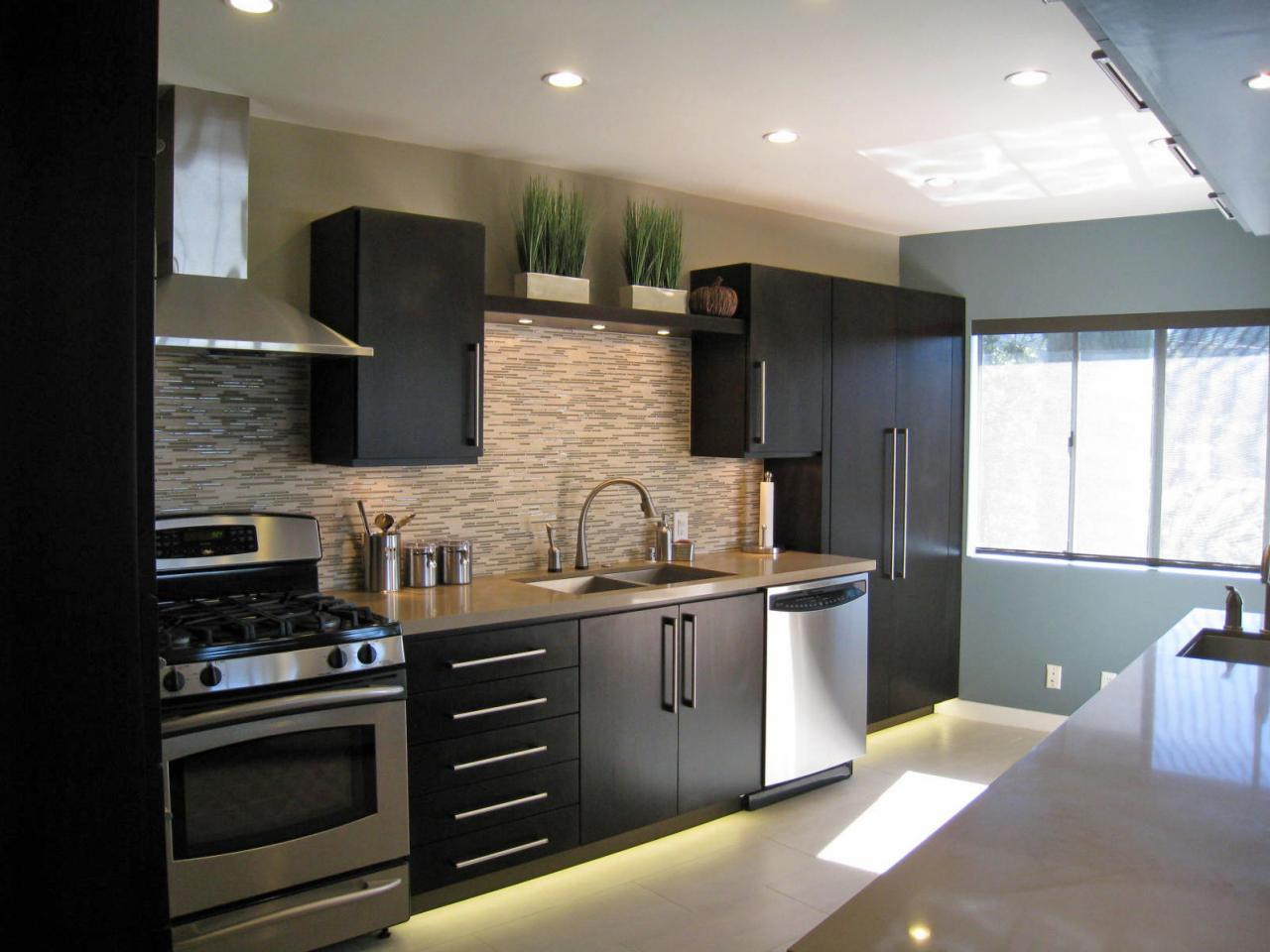 Photo page hgtv Modern elegant kitchen design