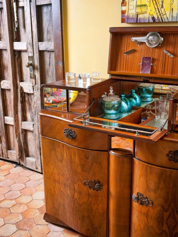 Antique Bar in Mediterranean Living Space