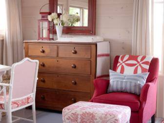 Red and White Cottage Sitting Room