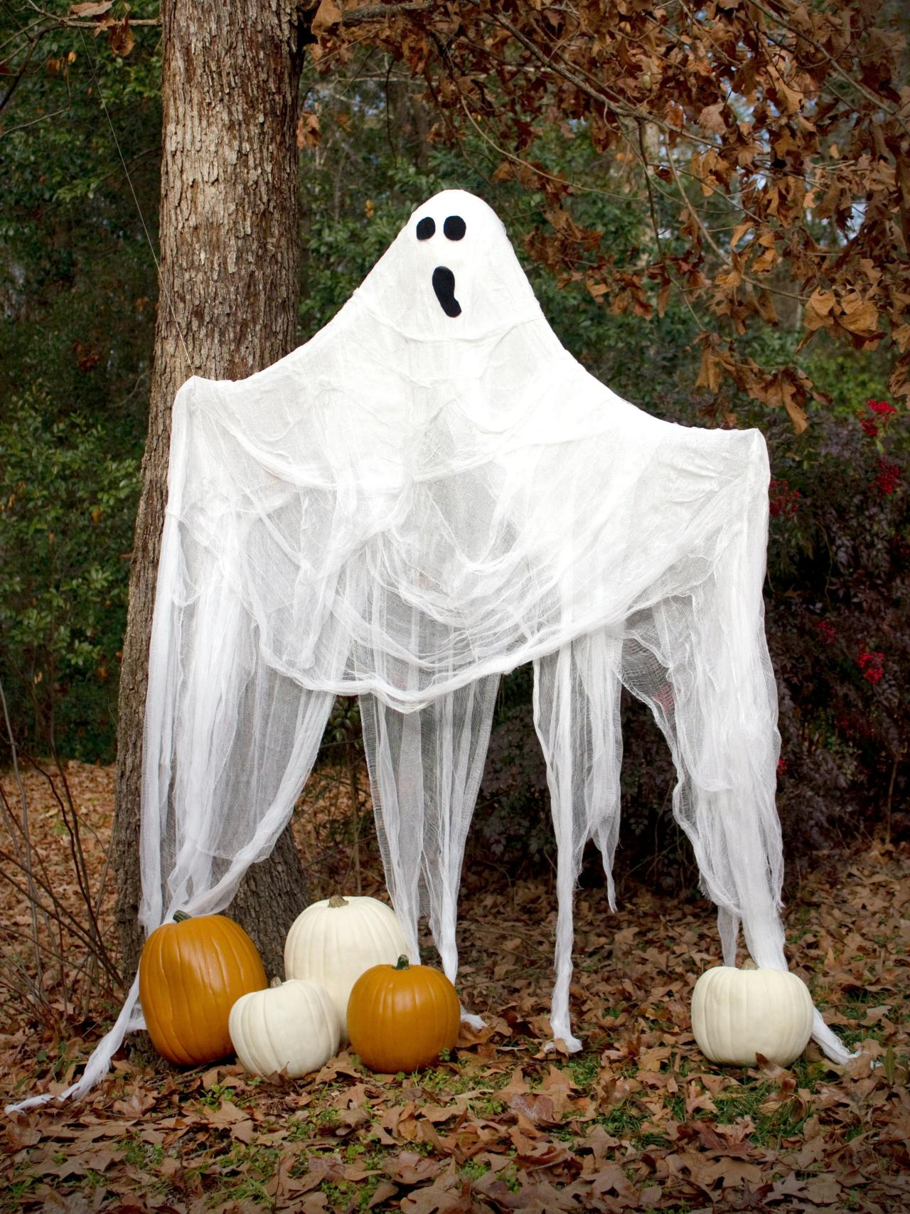 Cheap halloween yard decorations - How To Make A Life Size Halloween Ghost