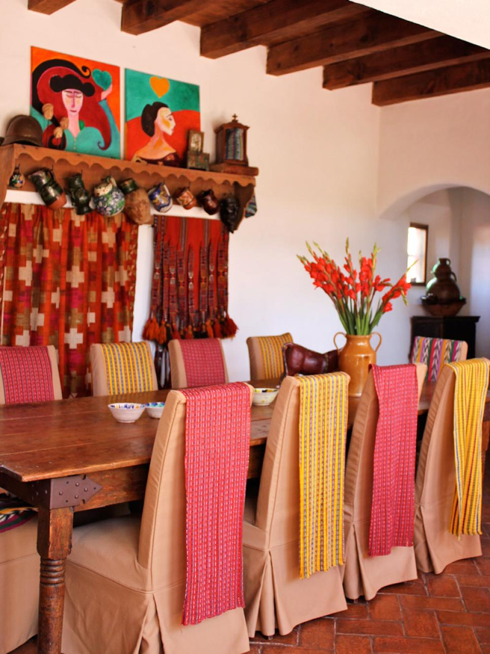 Spanish style decorating ideas hgtv for Dining room decor accessories