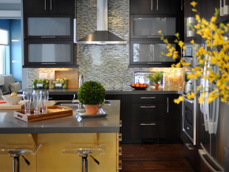 Kitchen Backsplash Yellow Walls kitchen backsplashes | hgtv