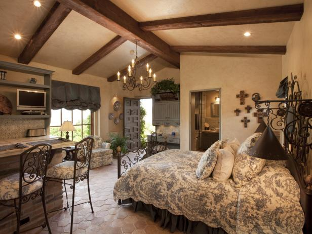 Cottage Bedroom With Wooden Ceiling Beams