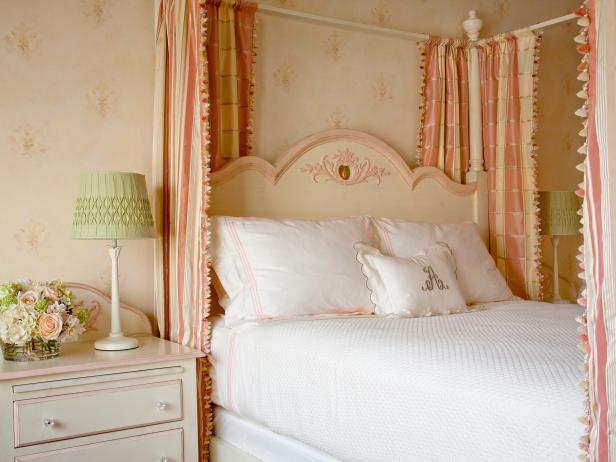 Photo page hgtv Shabby chic girls bedroom furniture
