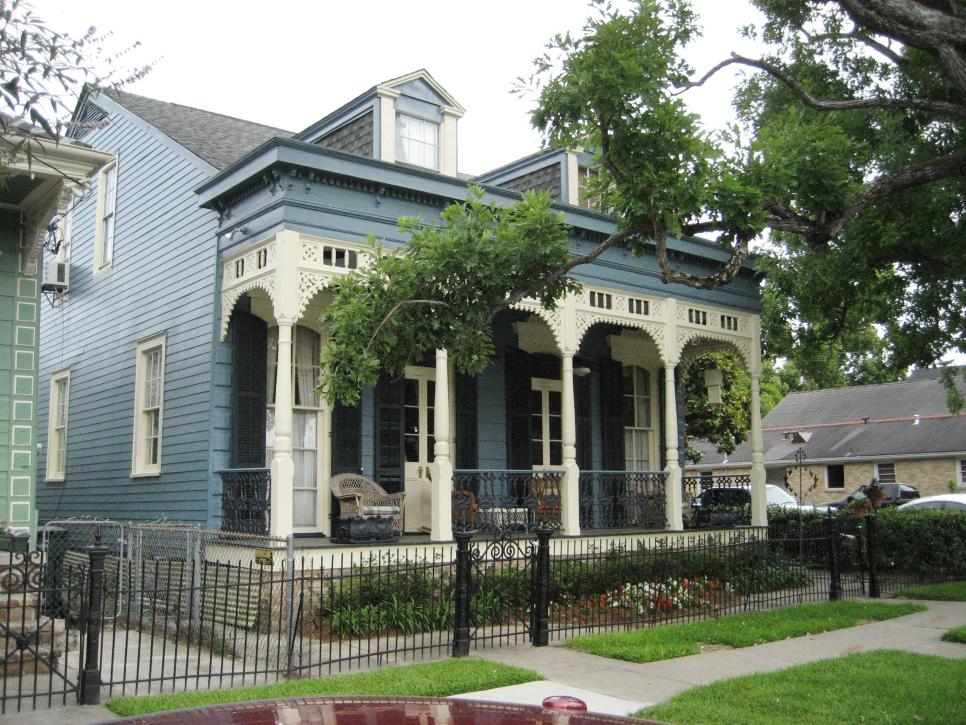 New orleans style homes hgtv for New style homes