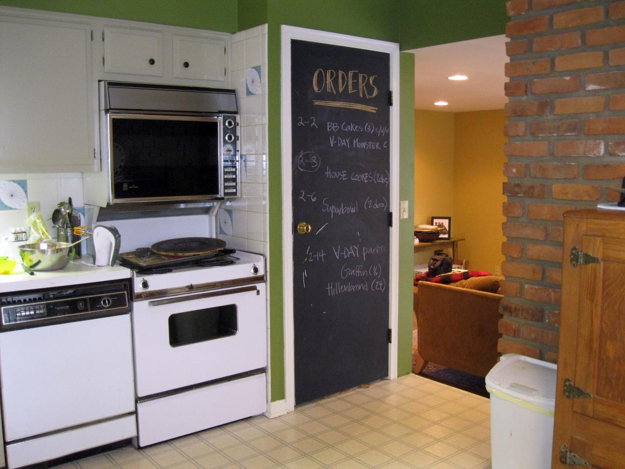 Chalkboard Paint On Kitchen Soffit