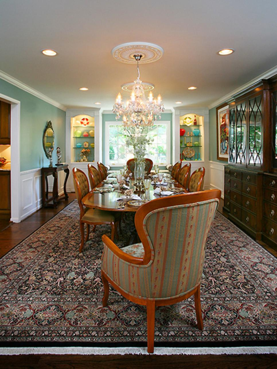 8 elegant victorian style dining room designs hgtv for Dining room 101 heswall