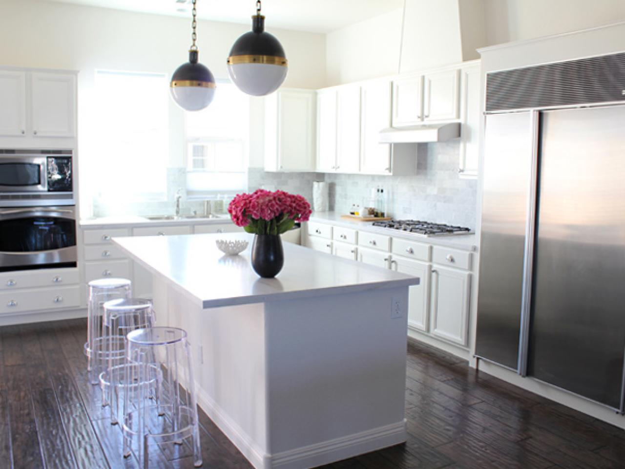 Our 50 favorite white kitchens kitchen ideas design White kitchen backsplash
