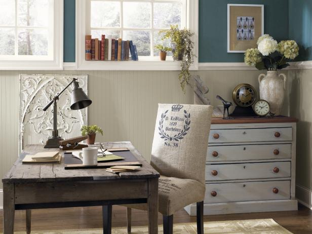 Photo page hgtv for Rustic paint colors from sherwin williams