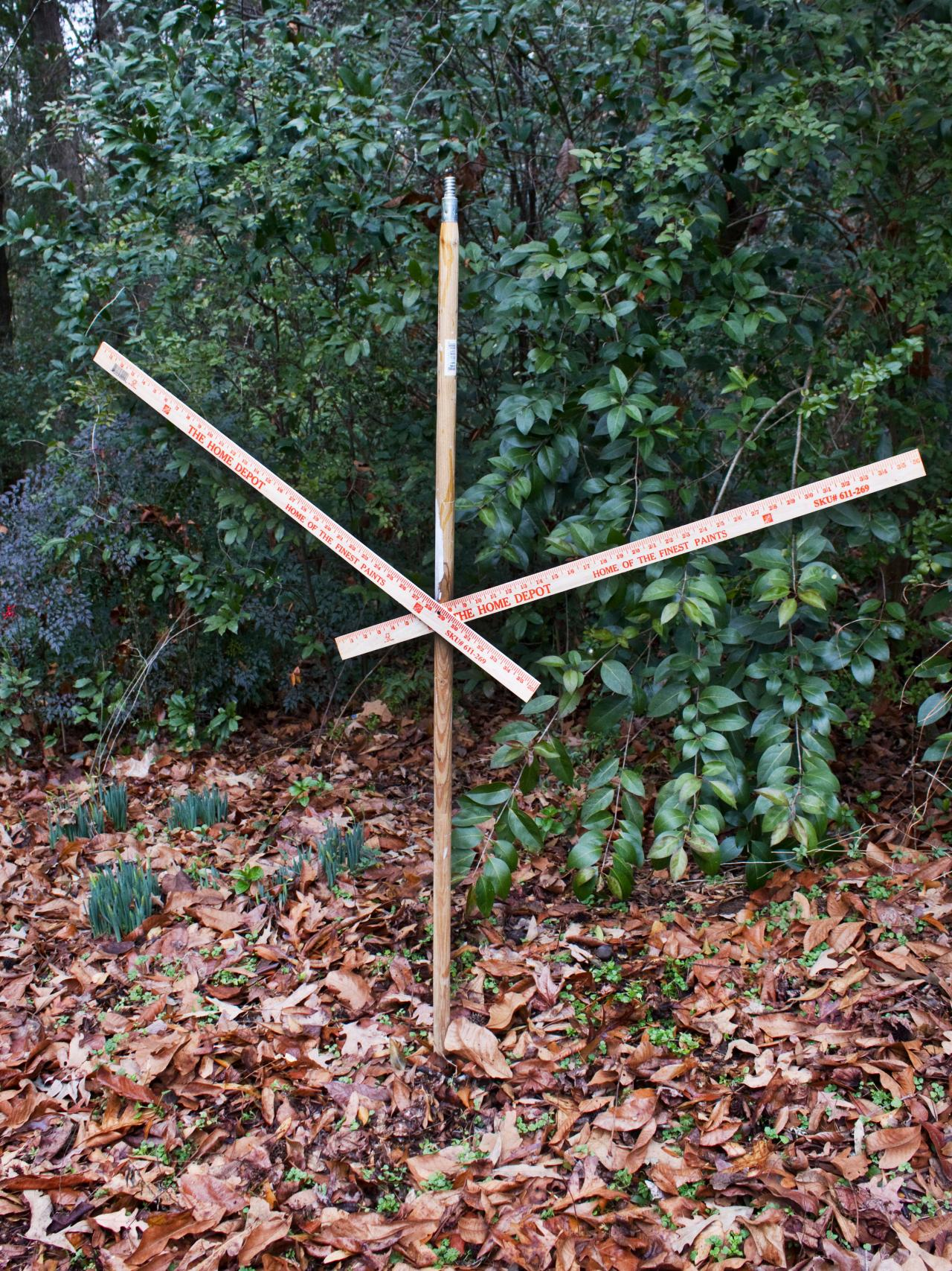 Halloween lawn decorations diy - Secure Extension Pole
