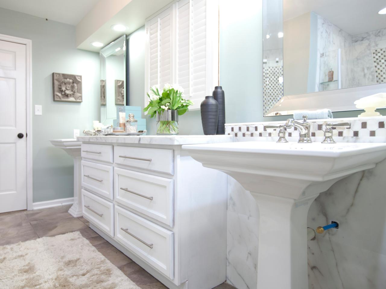 Photos hgtv for Green and gray bathroom designs