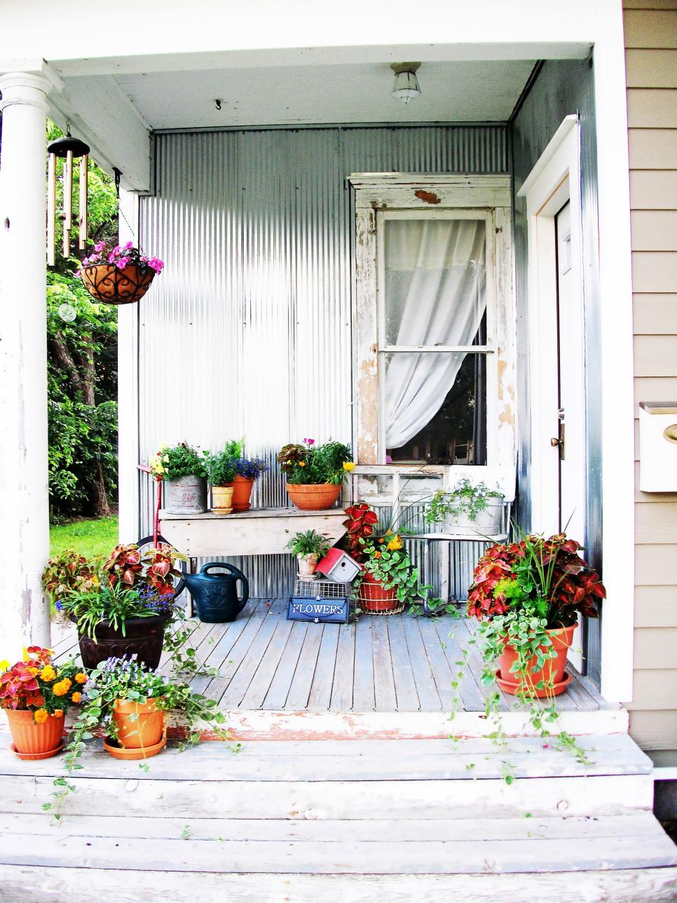 Shabby chic decorating ideas for porches and gardens hgtv Cottage porch decorating ideas