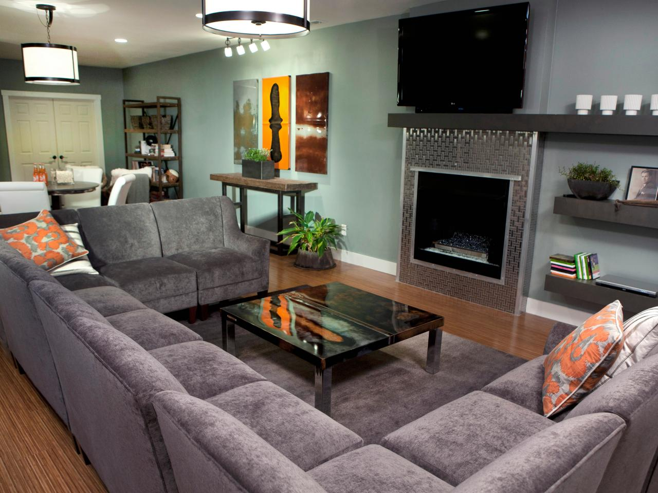 Photos hgtv for U shaped living room layout