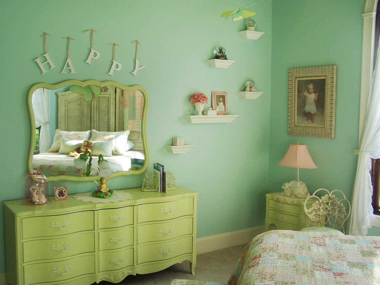 shabby chic children 39 s rooms kids room ideas for playroom bedroom bathroom hgtv. Black Bedroom Furniture Sets. Home Design Ideas