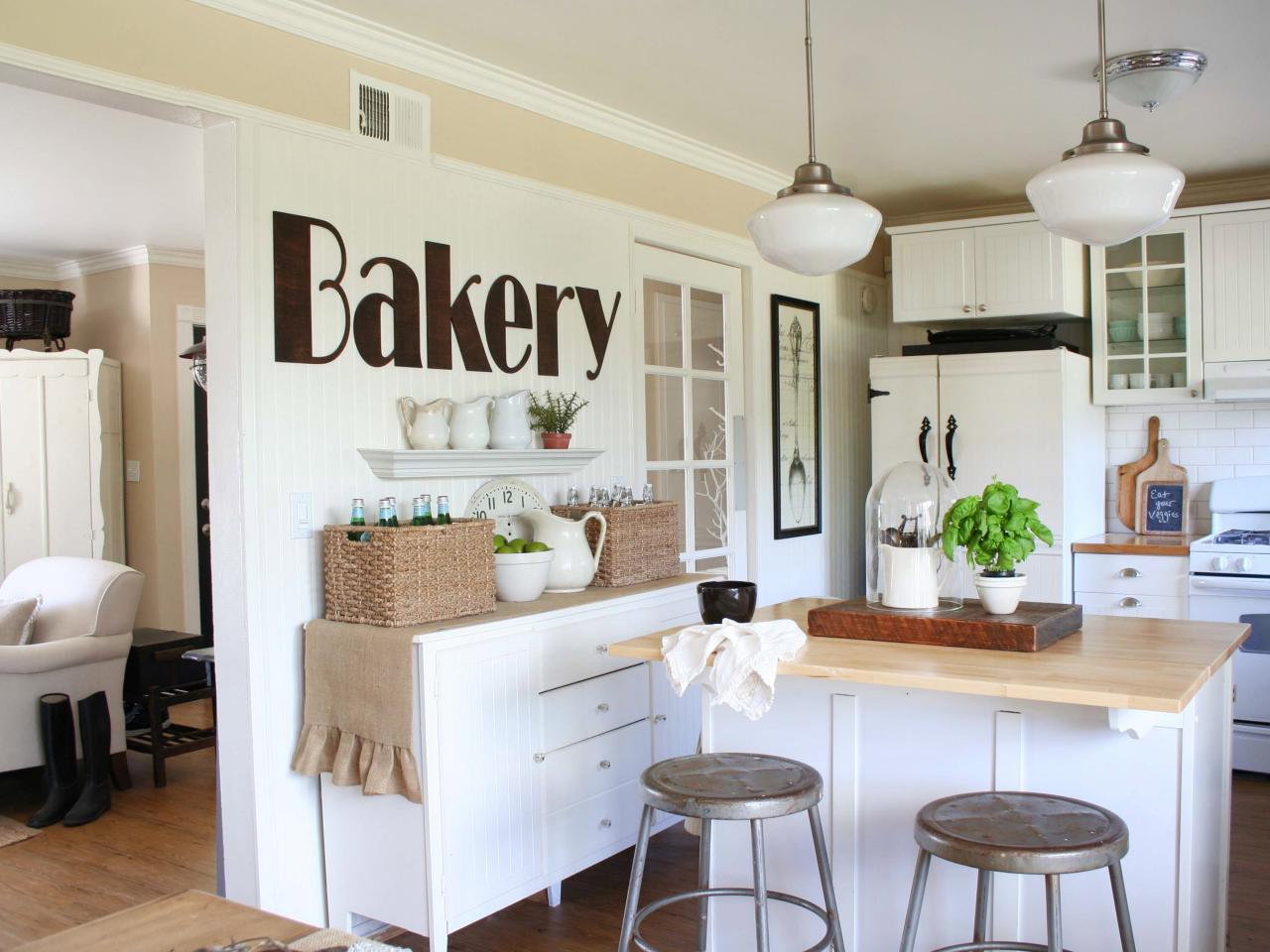 Shabby chic style guide interior design styles and color for Kitchen accessories ideas