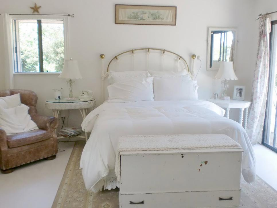 shabby chic style guide hgtv. Black Bedroom Furniture Sets. Home Design Ideas