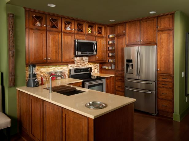 Arts and Crafts Kitchen With Wood Cabinetry and Quartz Countertops