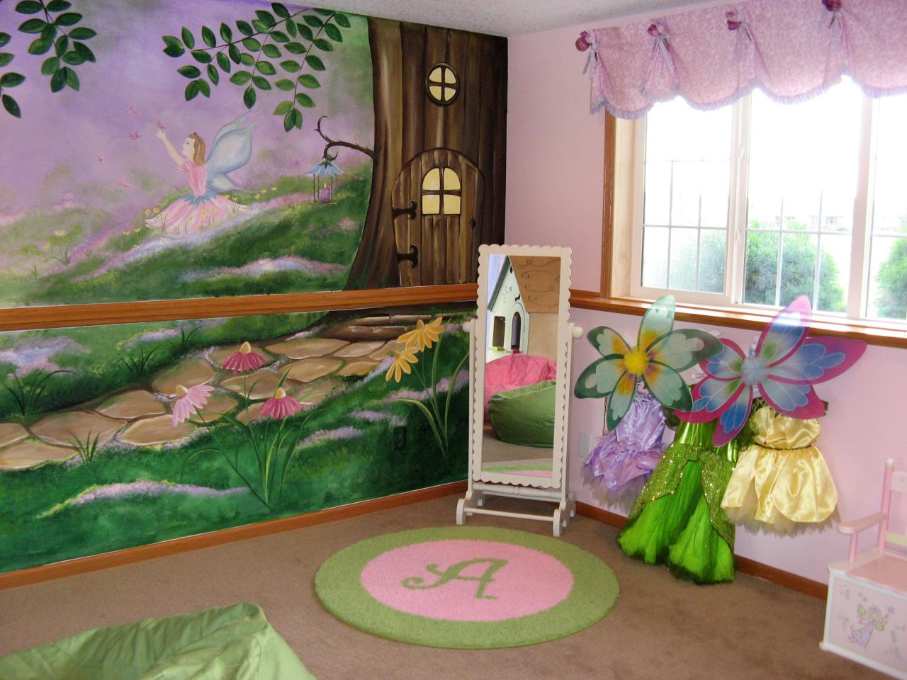 Photo page hgtv for Fairy mural ideas
