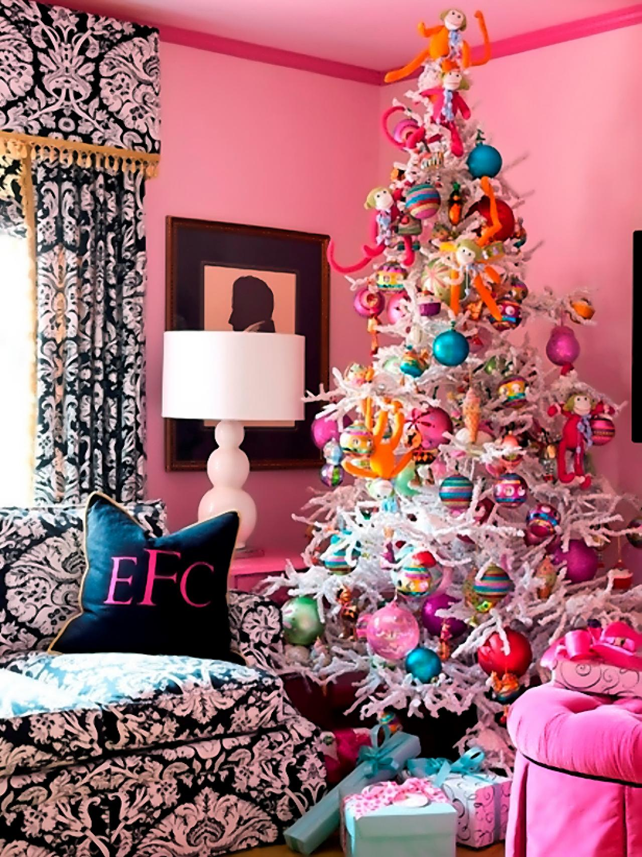 Christmas tree themes interior design styles and color schemes for