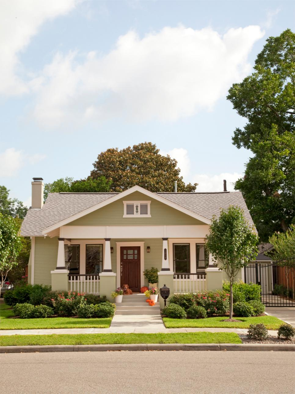 Boost your curb appeal with a bungalow look hgtv for Craftsman landscape design ideas
