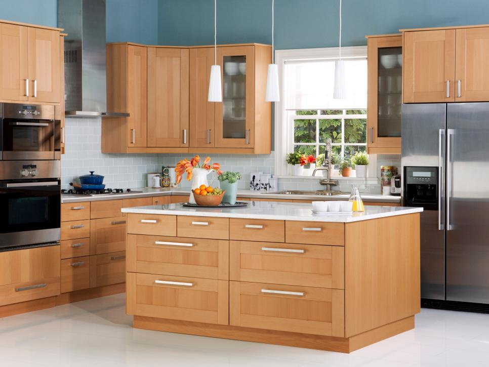 DEL medium brown kitchen