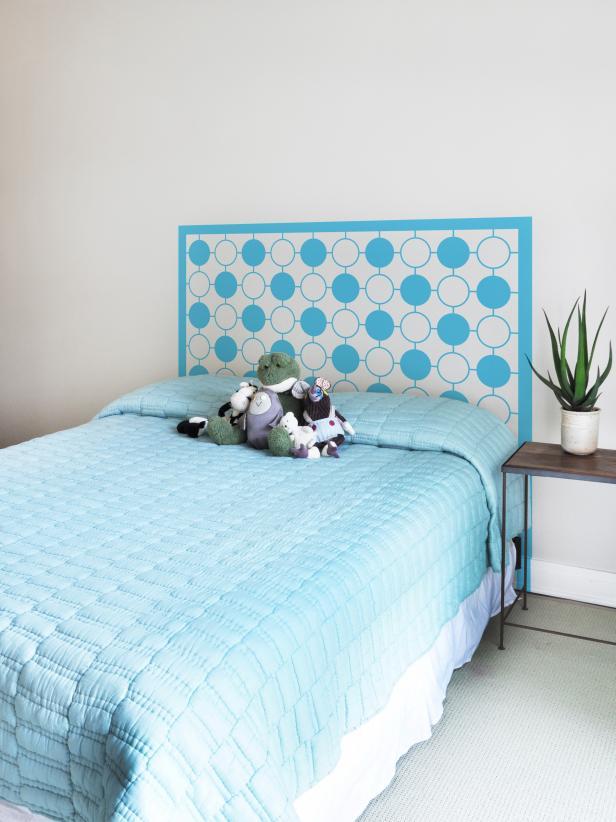 One of a kind kids 39 headboard ideas hgtv - Trompe loeil hoofd bed ...