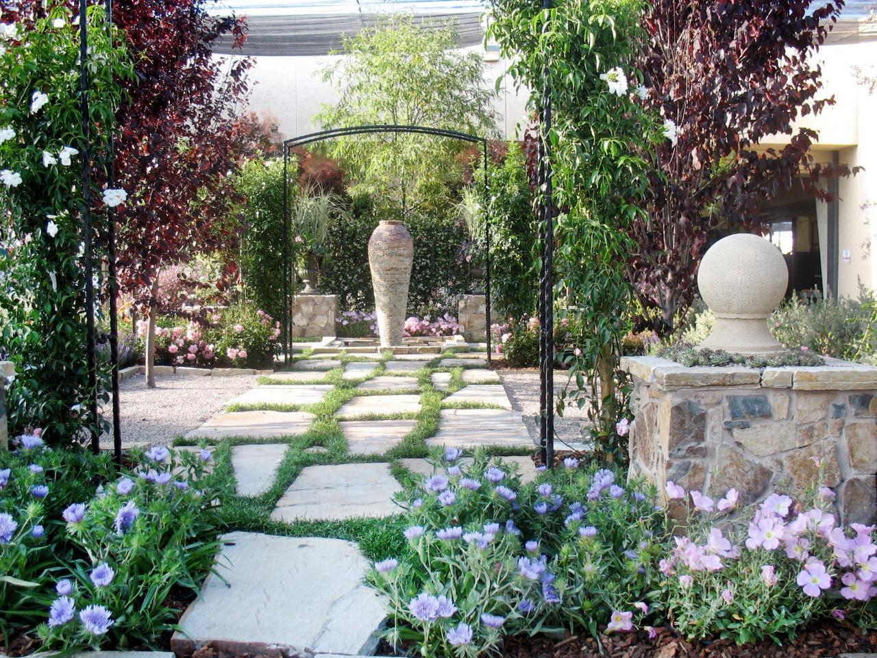 Landscaping ideas and hardscape design hgtv for Country garden ideas